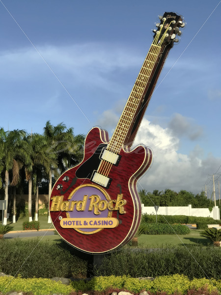 Hard Rock Guitar – Punta Cana - DileVale